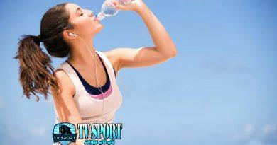 لهذه الأسباب.. يجب أن تتوقف عن شرب الماء