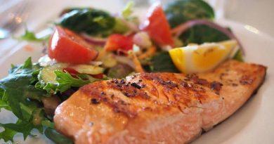 """الطعام الصحي والاكتئاب.. دراسة تكشف """"السر"""""""