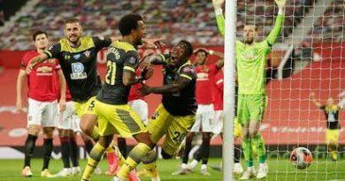 مانشستر يونايتد يخسر النسخة القادمة من دوري ابطال اوروبا